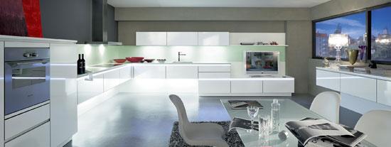 k chen ins rechte licht r cken einrichten wohnen. Black Bedroom Furniture Sets. Home Design Ideas