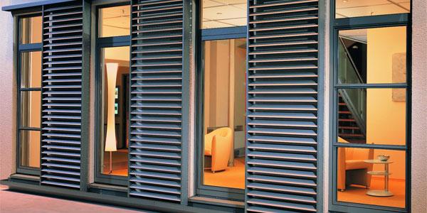 fenster und t ren bauen renovieren. Black Bedroom Furniture Sets. Home Design Ideas