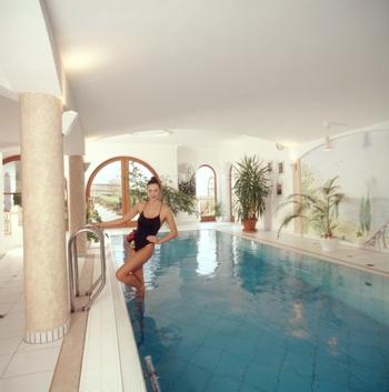 surftipp zum eigenen pool bad und sanit r. Black Bedroom Furniture Sets. Home Design Ideas